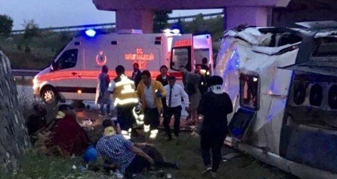 Yolcu otobüsü köprüden uçtu: 48 yaralı!