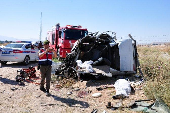 Kahramanmaraş'taki Kazada Ölü Sayısı 4'e Yükseldi