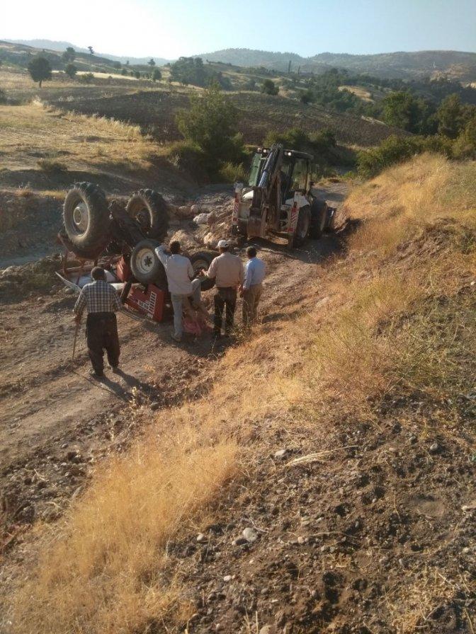 Traktör Takla Attı: 2 Yaralı