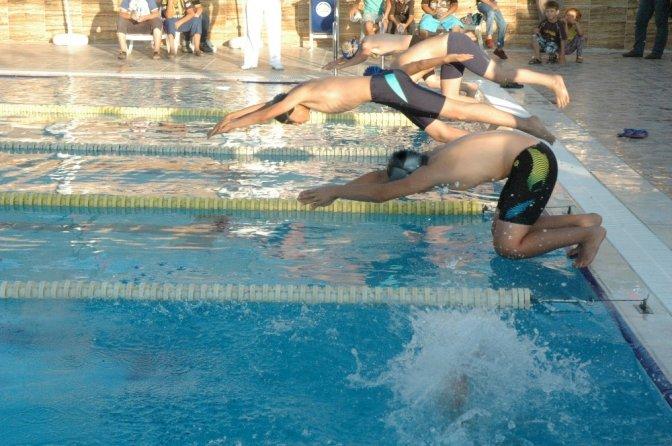Yarı Olimpik Yüzme Havuzu Açıldı
