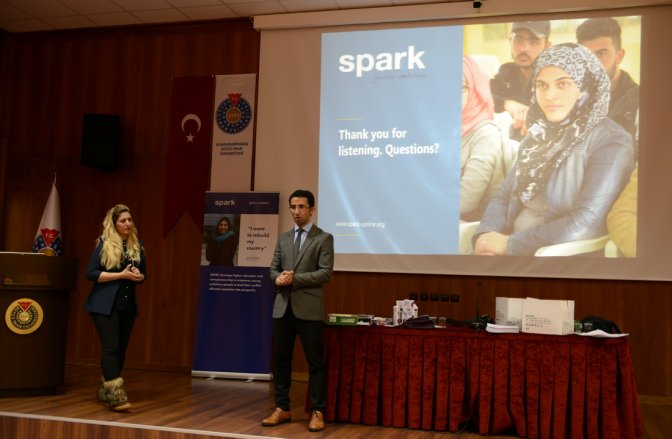 Hollandalı Spark Suriyeli Öğrencilere Burs Verecek!