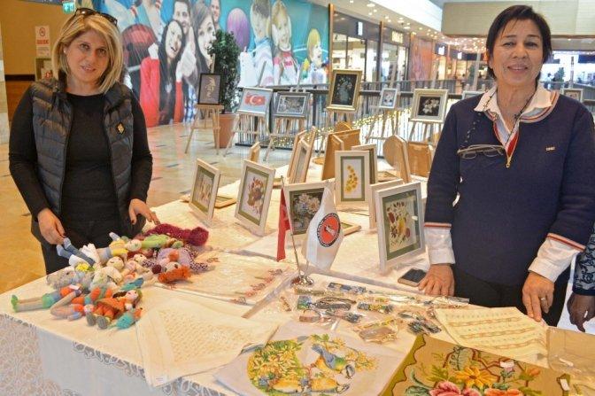 Türk kadınlar birliği'nden sergi