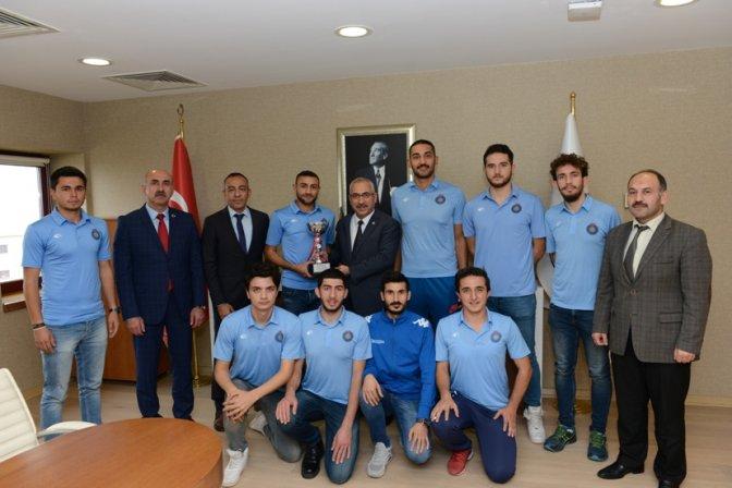 KSÜ Erkek Voleybol Takımı 1. lige yükseldi
