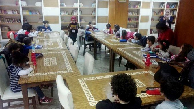 Büyükşehir minik öğrencileri kütüphanede misafir etti