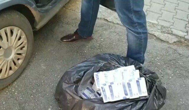 Sigara kaçakçıları polise yakalandı