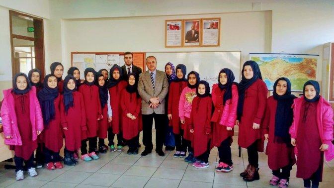 Onıkısubat Müftüsü Ilıca İHL Ortaokulunu ziyaret etti