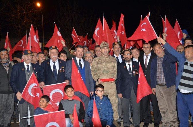 Türkoğlu ilçesinde Afrin harekatına destek yürüyüşü