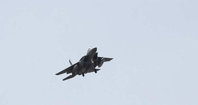 İdlib'de Rus savaş uçağı düşürüldü