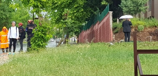 Kahramanmaraş'ta şiddetli yağmur su baskınlarına neden oldu
