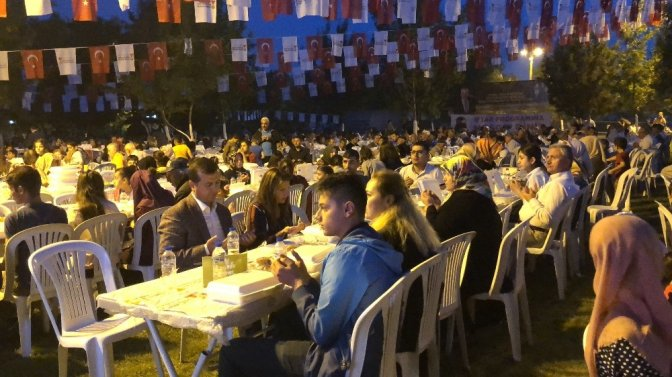 Kahramanmaraş'ta 3 Bin kişiye iftar yemeği