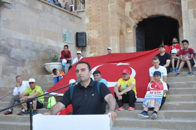 Afşinliler 15 Temmuz Şehitlerini anmak için Eshab-I Kehf-e yürüdü
