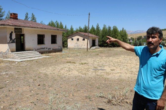 60 Yıllık İlköğretim okulu ilgi bekliyor