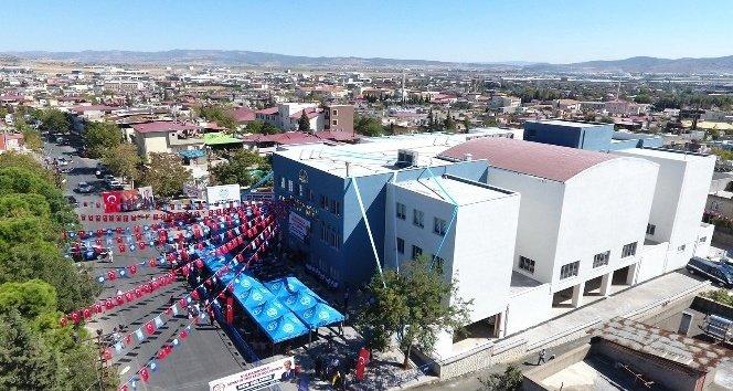 Dulkadiroğlu Gençlik Merkezi açıldı