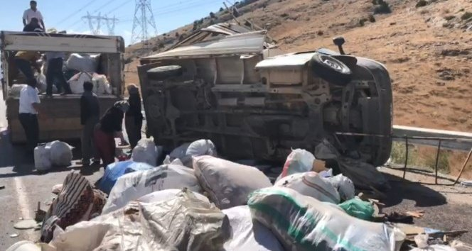 Kahramanmaraş'ta kamyonet takla attı: 1'i ağır 5 yaralı!