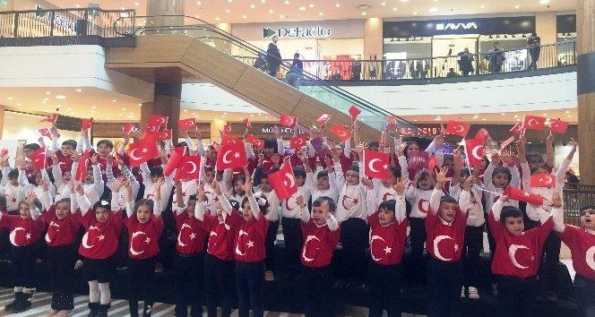 Minik öğrenciler Cumhuriyet Bayramı'nı coşkuyla kutladı