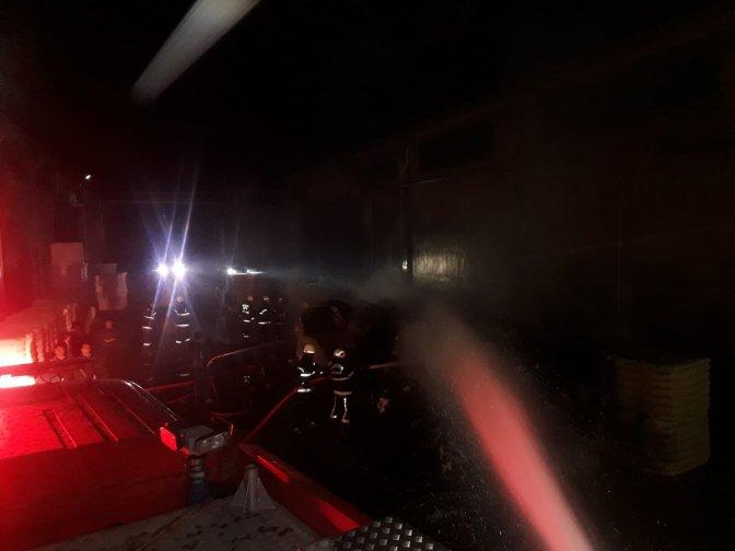 Tekstil fabrikasında yangın büyümeden söndürüldü