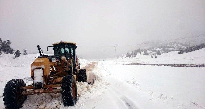 Kahramanmaraş'ta kar mesaisi