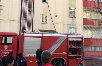 Kahramanmaraş'ta korkutan yangın! Dumandan etkilenen 5 kişi...