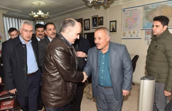 Vahdettin Özkan güvenlik korucularını ziyaret etti