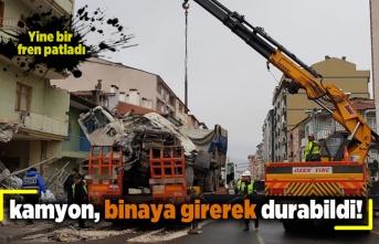 Kayseri'de freni patlayan kamyon binaya girerek durabildi!
