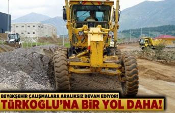 Büyükşehir çalışmalara aralıksız devam ediyor! Türkoğlu'na bir yol daha...