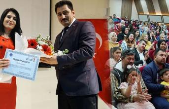 Kahramanmaraş Büyükşehir Belediyesi işaret dili kursiyerlerine sertifakalarını verdi!