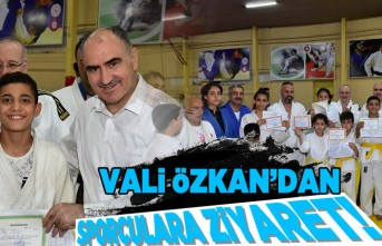 Kahramanmaraş Valisi Vahdettin Özkan'dan Sporculara ziyaret!