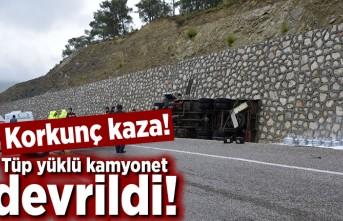 Tüp yüklü kamyonet devrildi! Korkunç kaza!