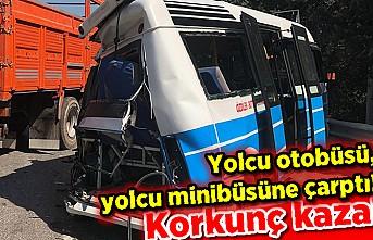 Yolcu otobüsü, yolcu minibüsüne çarptı: korkunç kaza!