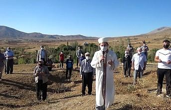 Kahramanmaraş'ta köylüler yağmur duasına çıktı!