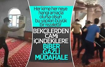 Bekçiler camideki itikafçılara saldırdı!