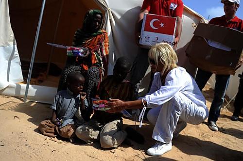 Başbakan Erdoğan Somali'deki insanlık dramıyla yüzleşti