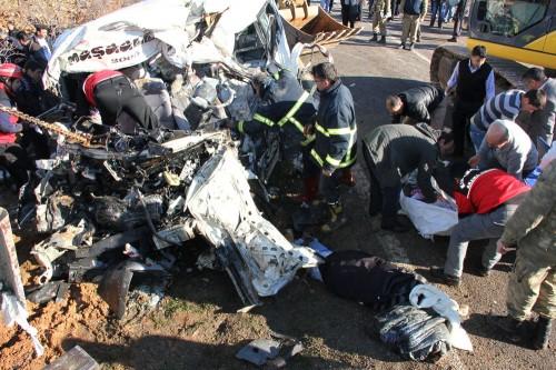 ŞOK: Gölbaşı-Pazarcık yolunda kaza: 10 ölü, 5 yaralı…