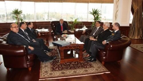 Nevzat Pakdil Bakan Mehdi Eker'i ziyaret etti..