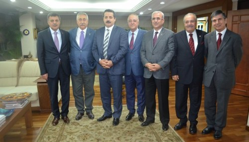 Nevzat Pakdil: 'Esnafıın desteği daha etkili olacaktır'