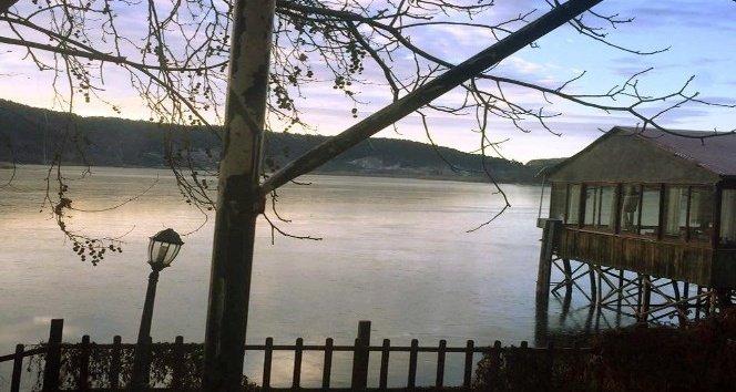 İzmir'deki o göl eksi 18 derecede buz tuttu!