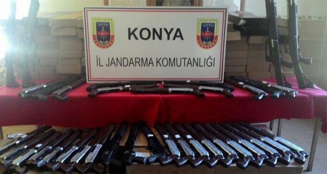 Konya'da onlarca kaçak silah ele geçirildi!