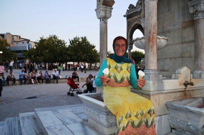 İzmir Konak Meydanı'nda Dondurma Şov!