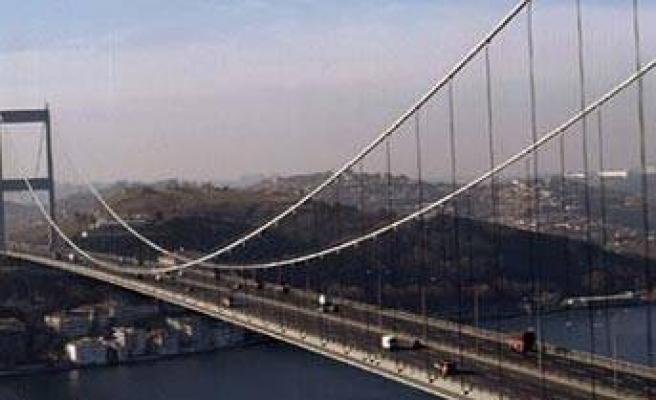 Gişeler İstanbul dışına kayıyor, köprüler bedava