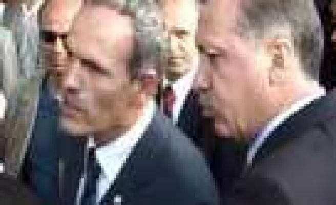 Erdoğan'dan başkana azar!