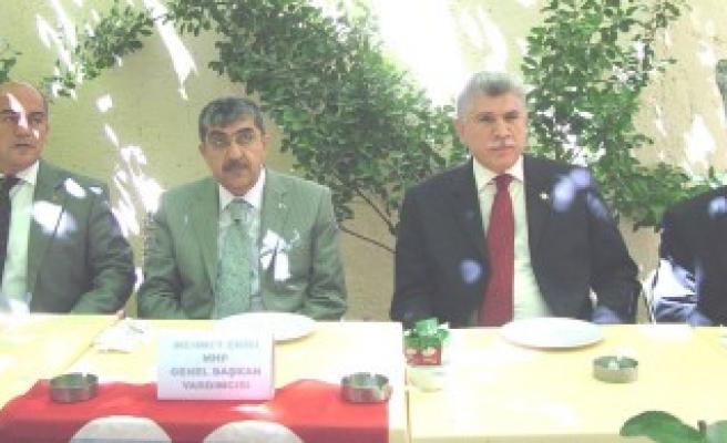 Mehmet Ekici Kahramanmaraş'ta