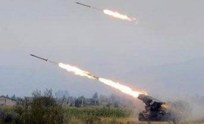 FLAŞ: Savaş başladı, 2 Rus uçağı düşürüldü!
