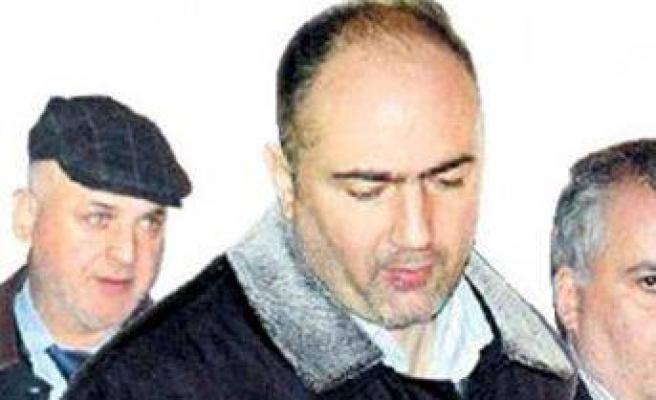 Ergenekon'da 3 sanık tahliye edildi
