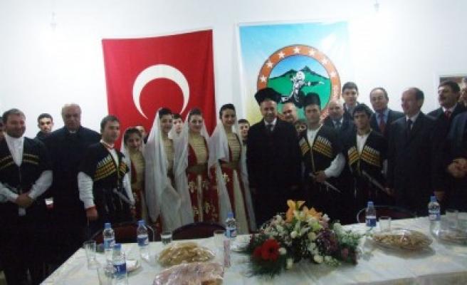 Kafkas Kültür Derneği'ne yoğun ilgi