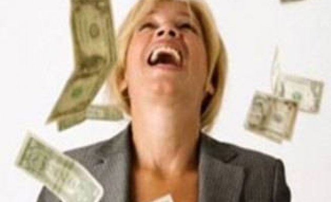Dolar 1.70'i aştı, halk satışa geçti