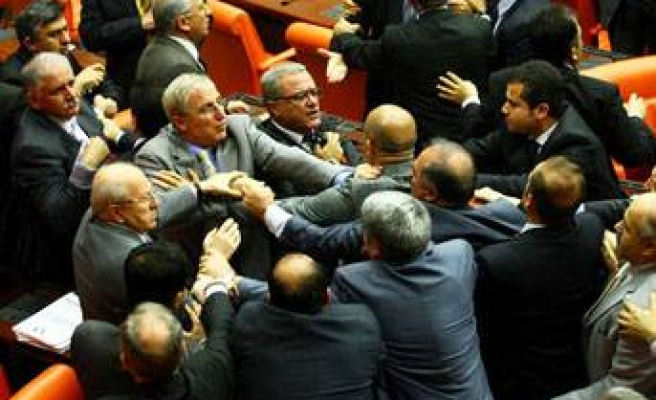 Mecliste Erdoğan'ın mal varlığı kavgası!..