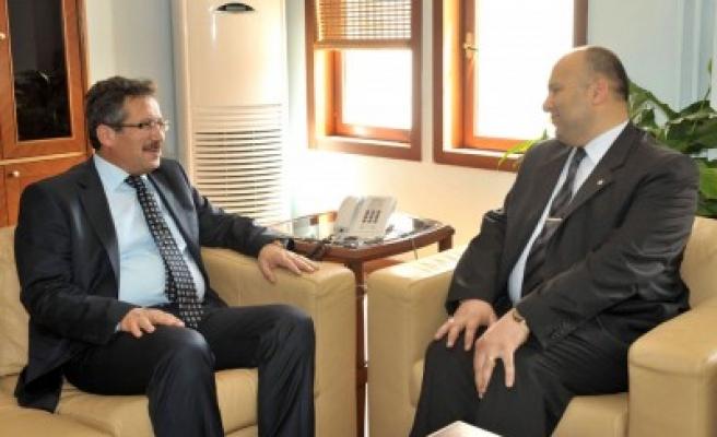 Poyraz, Yeni Emniyet Müdürüne 'Hayırlı Olsun' dedi'