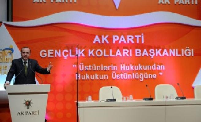AK Parti gençlere büyük önem veriyor!
