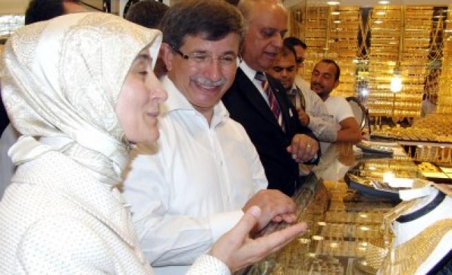 Bakan Davutoğlu'ndan referandum konferansı'