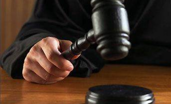 Mahkeme kapatma davası dosyasını istedi!